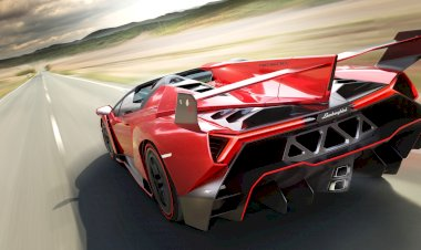 Veneno Roadster - Where extremes collide