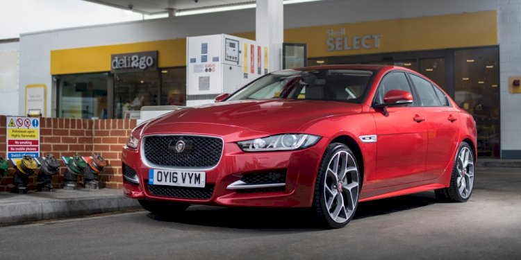 Jaguar and Shell launch in-car payment system. Photo by Jaguar Land Rover