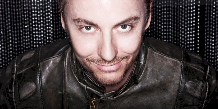 """Jean Claude Ades brings """"Be Crazy"""" to Ushuaïa Tower"""