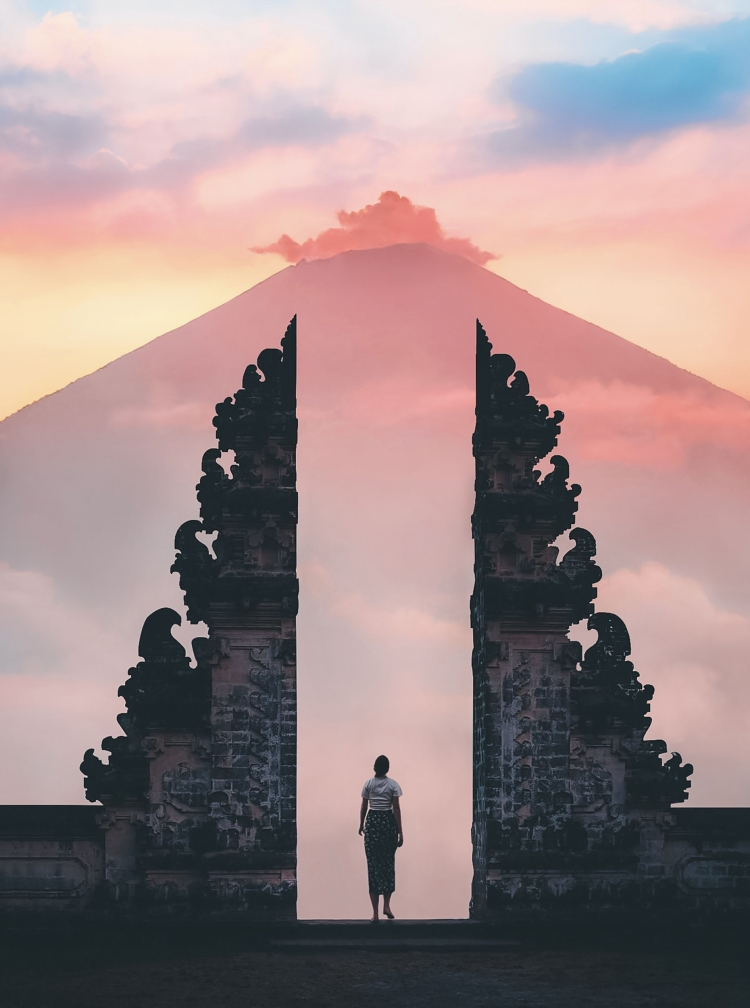 Ten perfect escapes from reality. Photo by Stijn Dijkstra from Pexels